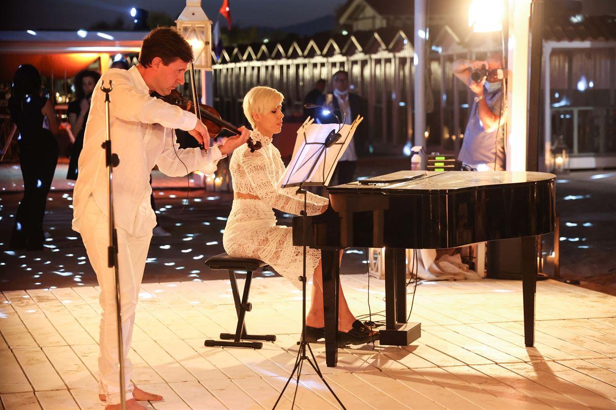 A Piedi Nudi sulla Sabbia - Charity Gala - The Show