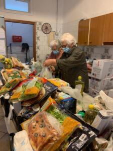 Distribuzione pacchi alimentari